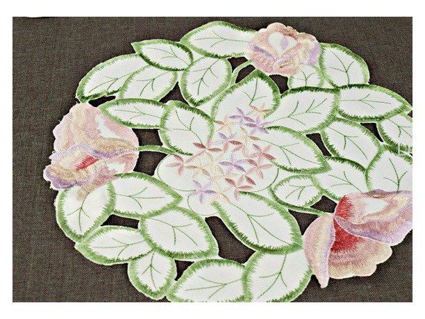 Serwetka haftowana  Srednica 25 cm Kwiat 106