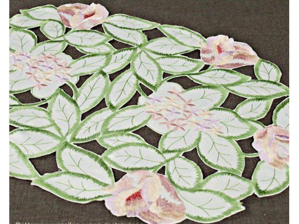 Nakładka haftowana  30x45  cm Kwiat 106