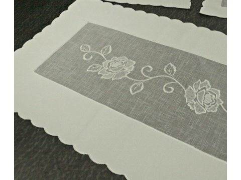 Bieżnik dekoracyjny - z kremową różą - 60x120 cm 822