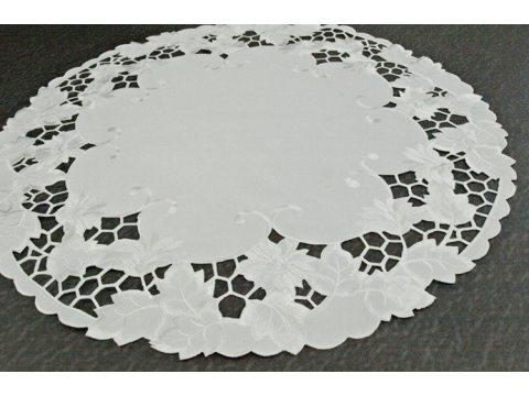 Serwetka haftowana  śr. 60 cm  wz. 962