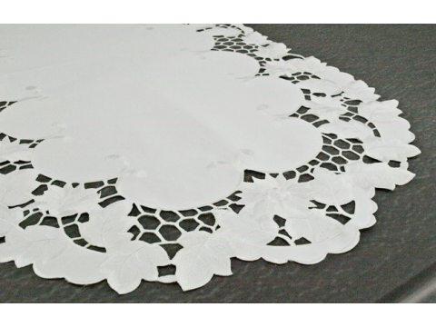 Serwetka haftowana 30x45 cm  wz. 962
