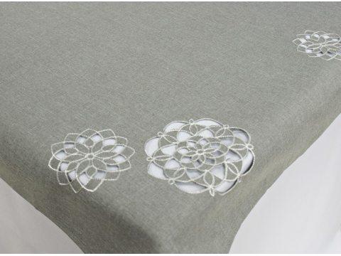 Haftowany Obrus 110 x 160 cm  - int 14604  - Kwiat Szary