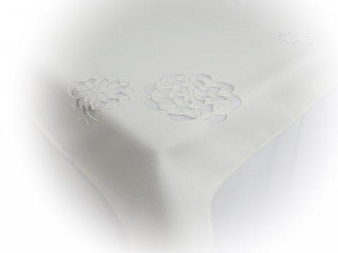 Obrus haftowany  130 x 174  cm  - int 14604  - Kwiat Biały