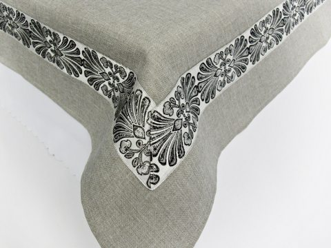 Obrus Haftowany Popielaty srebrny haft 150 x 300 int 2912