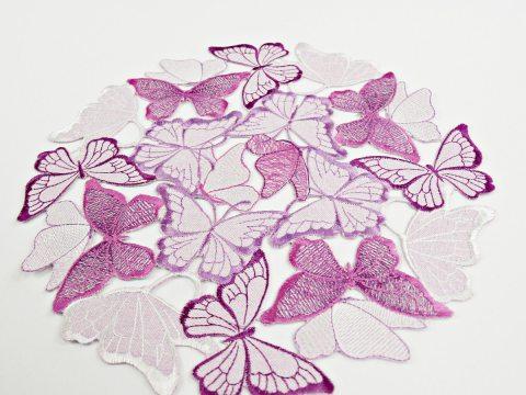 Serwetka haftowana -  fioletowe motylki -   śr. 30  cm int 15702