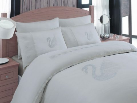 Pościel  SWAROVSKI - Biała z kryształkami Swarovskiego - 200x220 - Swan White  bambusowa