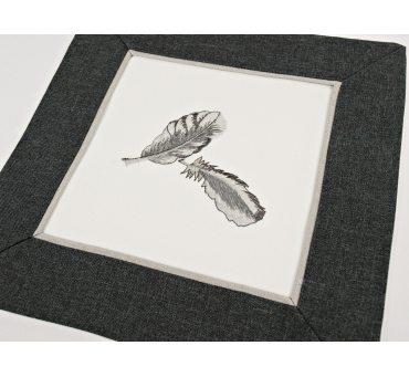Haftowana serwetka - biały - grafit - 30 x 30 cm Piórka - 9340