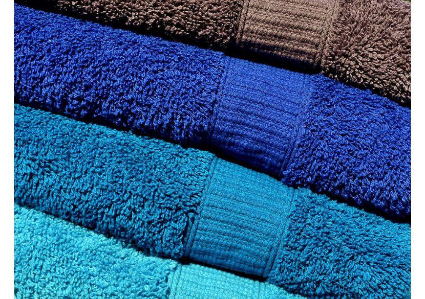 Dlaczego ręczniki nie chłoną wody? Radzimy jak to zmienić