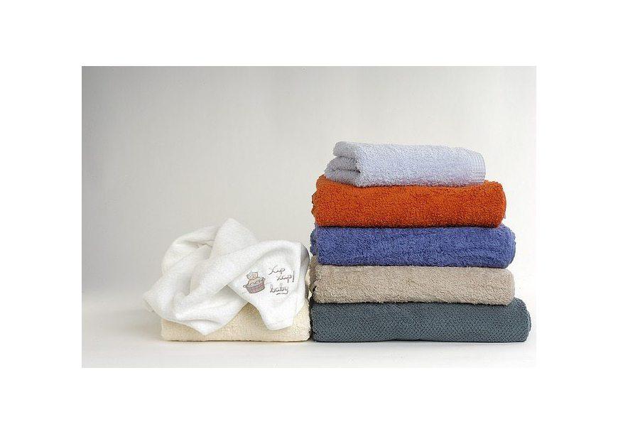 Dlaczego ręczniki się odbarwiają? Pozbądź się problemu